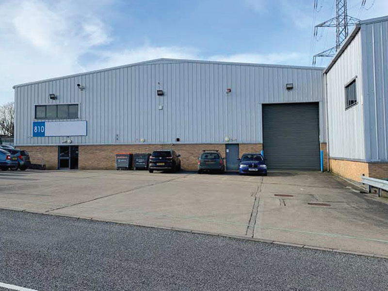 Prominent industrial unit for let in Fareham Reach